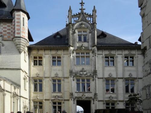 2018 - 25 Hôtel de Ville, Saumur (01)